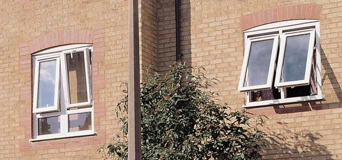 fully-reversible-window-in-eastbourne