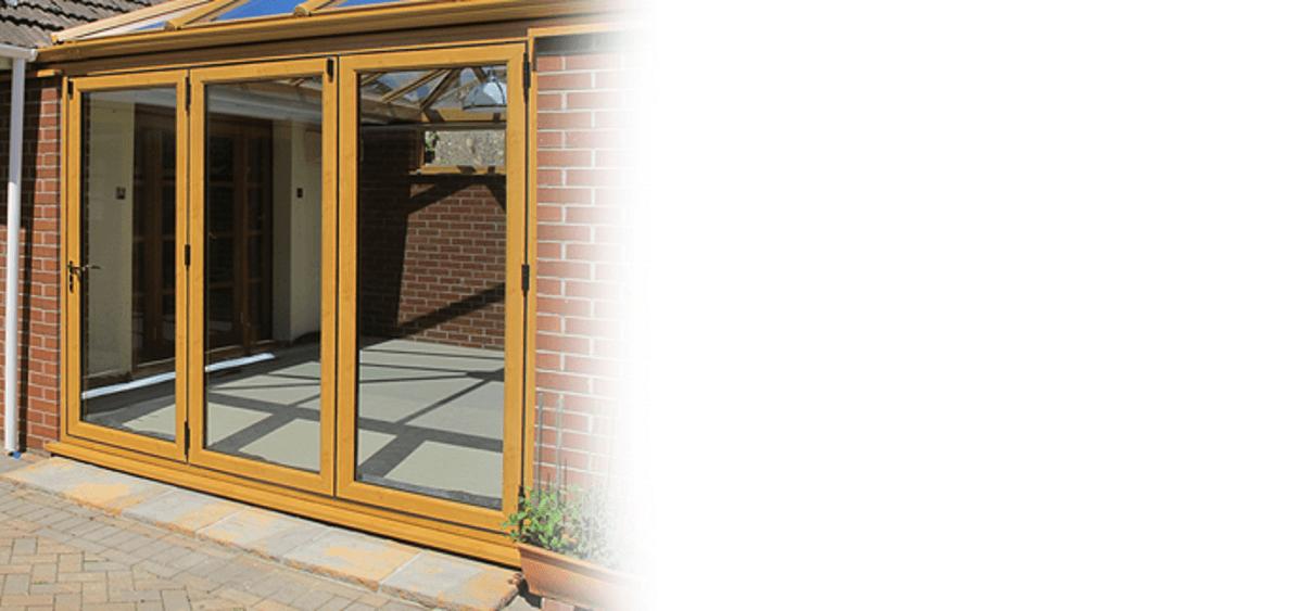 golden-oak-bi-folding-door-eastbourne