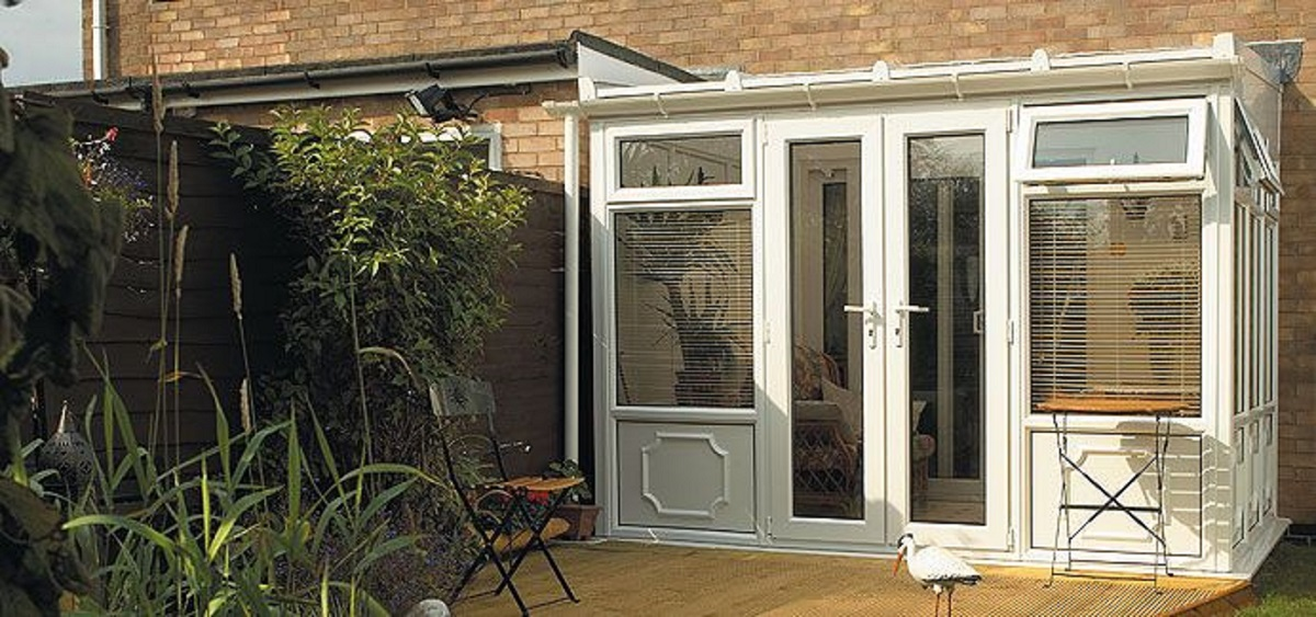 white-lean-to-conservatory-east-sussex