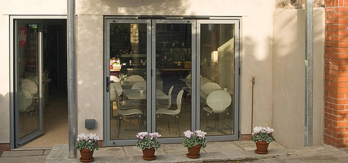 white-aluminium-bi-fold-doors-eastbourne