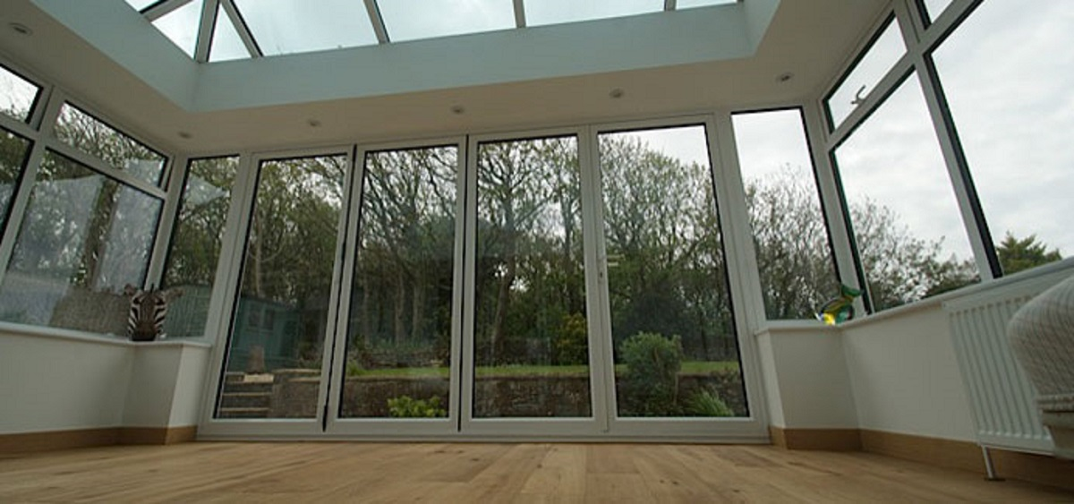 white-aluminium-bi-folding-doors-east-sussex