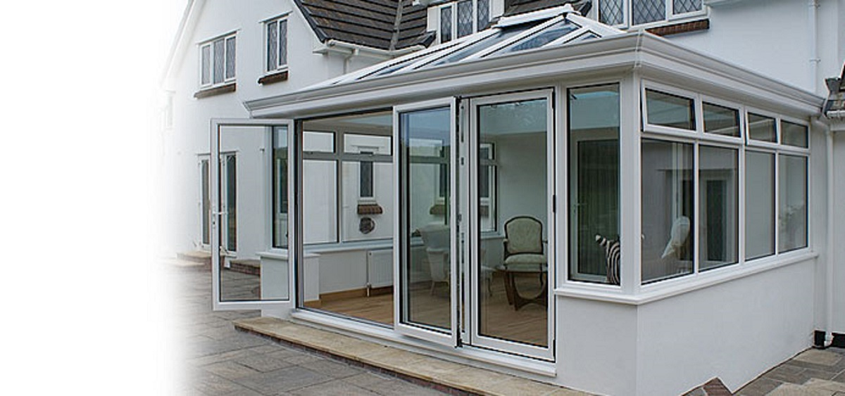 white-aluminium-bifolding-doors-east-sussex