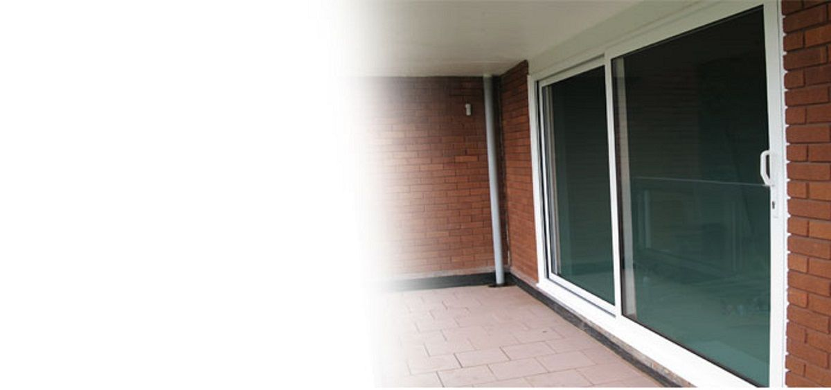 white-aluminium-large-sliding-doors-sussex