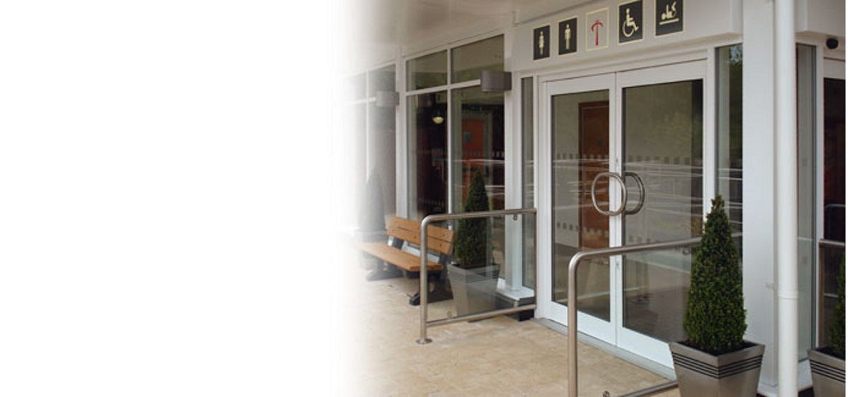 white-commercial-aluminium-doors