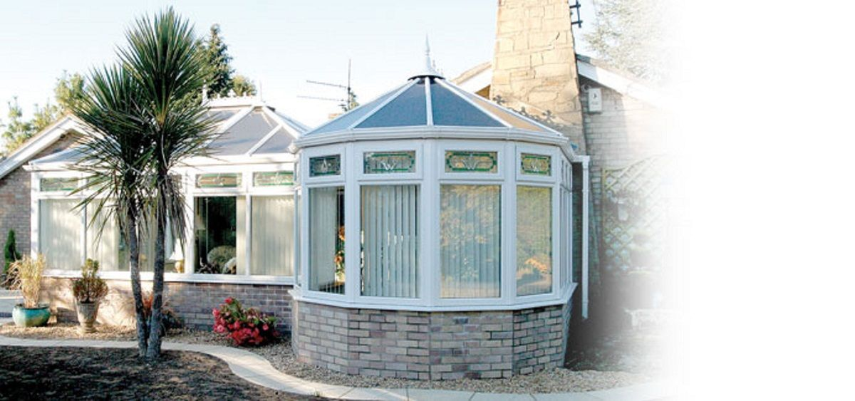 white-p-shaped-conservatory-east-sussex